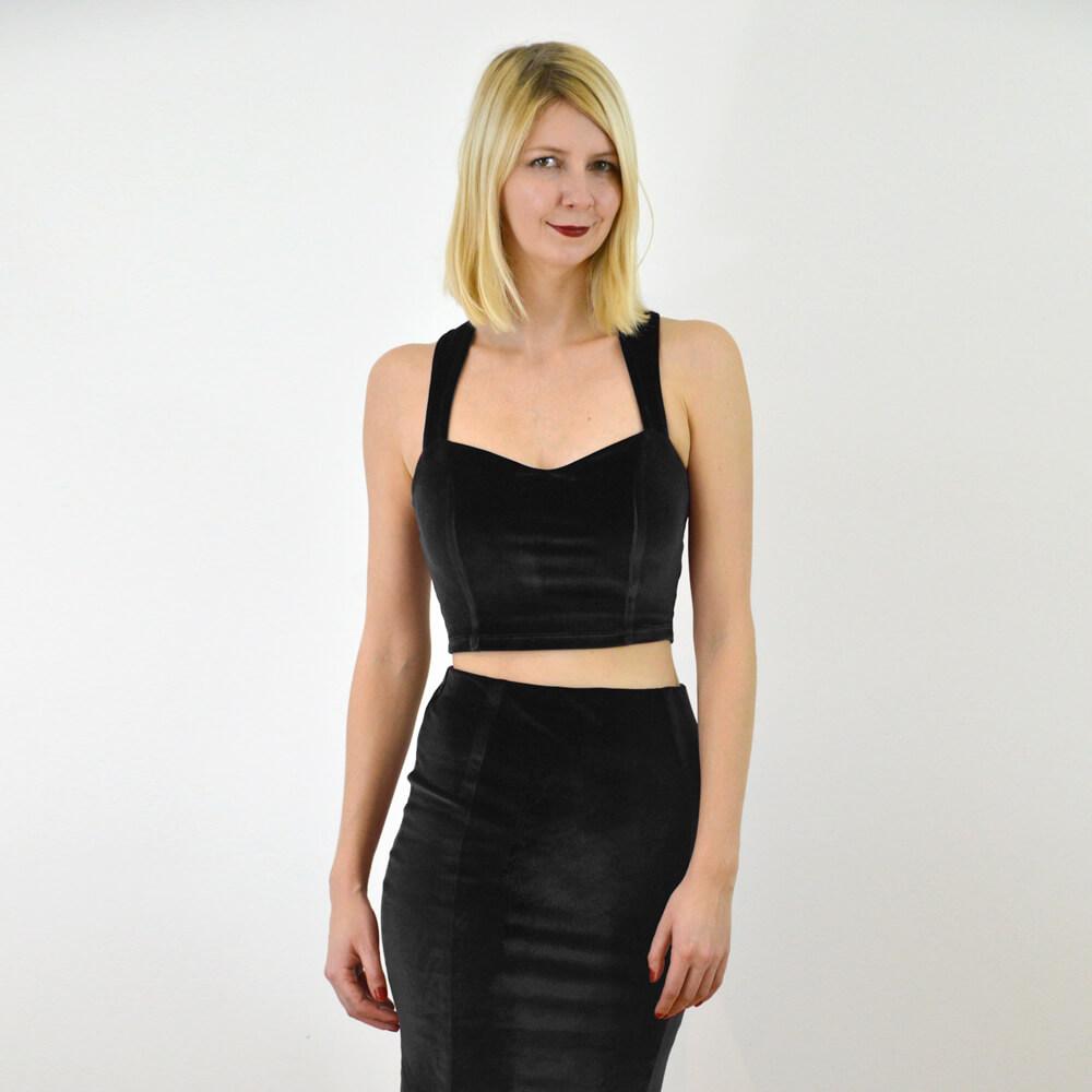 https://www.wearestylecamp.com/product-page/strappy-velvet-crop-top-black