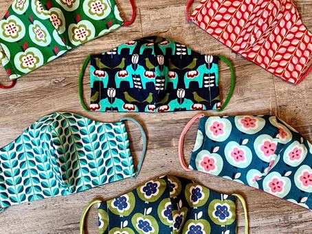 Damenmasken aus den schönen Designerstoffen von Jolijou.  Im Wiesenplatzatelier für 7,50 € Stk.