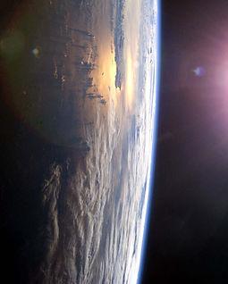 earth-rise-symbol-right.jpg