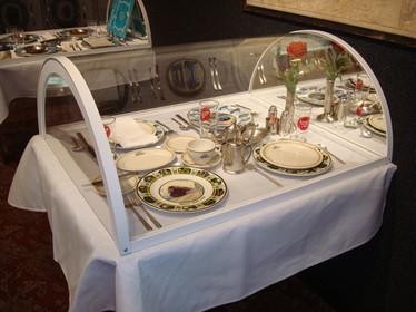 Missouri Pacific set table.
