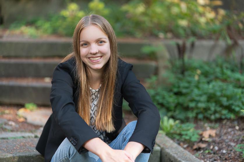 Hannah Ponstine_senior_4x6_2020-36.jpg