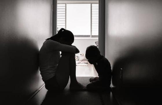 10 Individuals' Real Life Regrets of Having Children