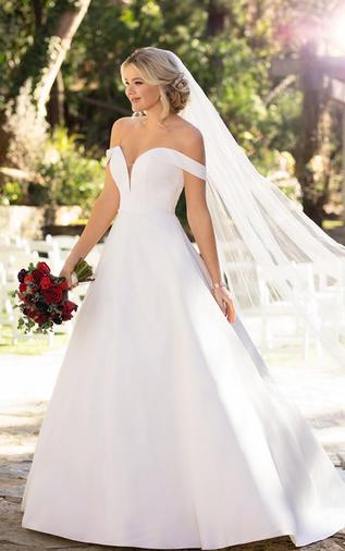 Clean and chic ballgown - 100D2761