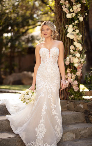 Strapless fit-and-flare wedding dress-100D2819
