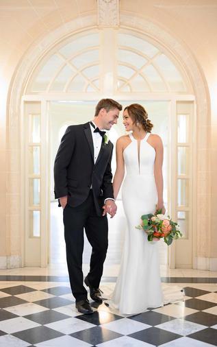 Modern Halter wedding dress - 1007024
