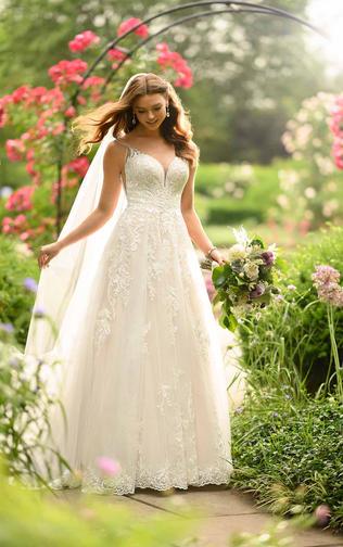 Lace A-line wedding gown - 100D2905