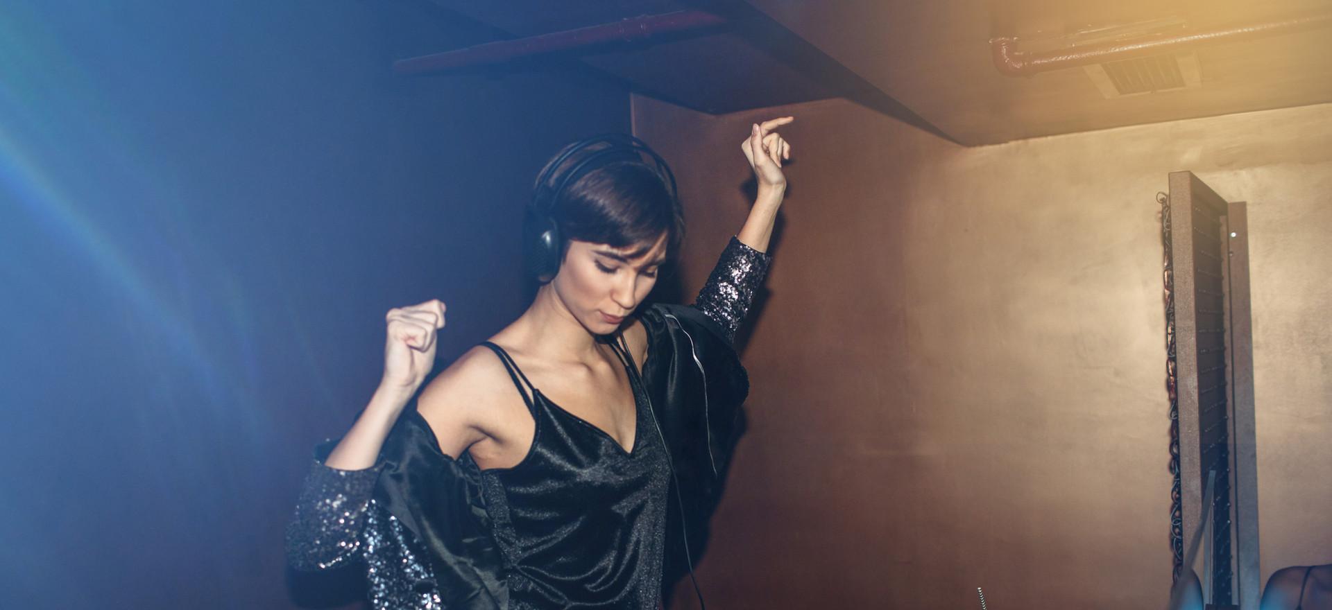 DJ femminile | club nautico chia