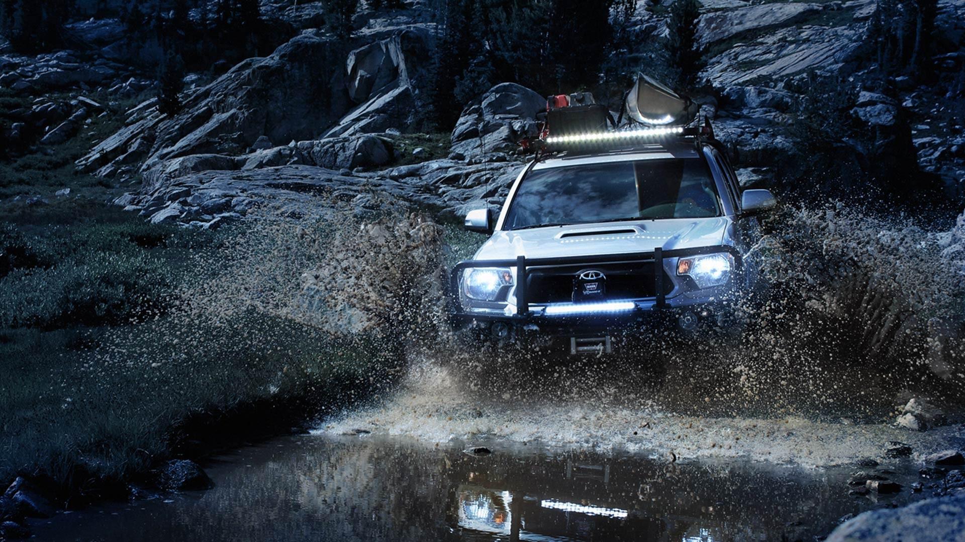 Front Runner 4runner in the mud.jpg