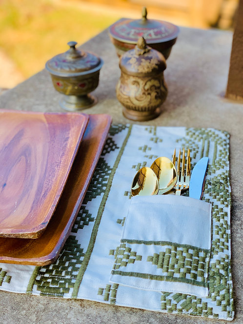 Heirloom Olive - Placemat with Flatware Pocket