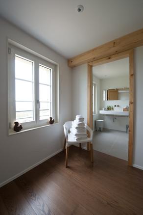 salle de bain 02 boite noire©tangram architectures.jpg