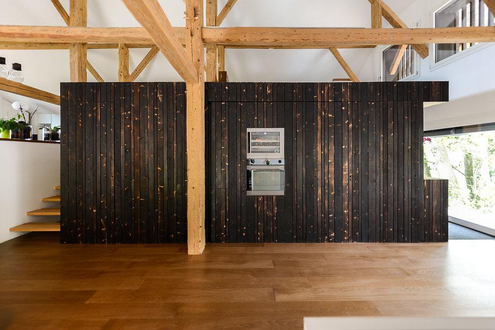 ferme   rénovation   bnb   transformation   tangram architectures présente un projet clair dans le maintien des volumes existants et une boite fonctionnelle. la facade est recouverte de bois brûlé