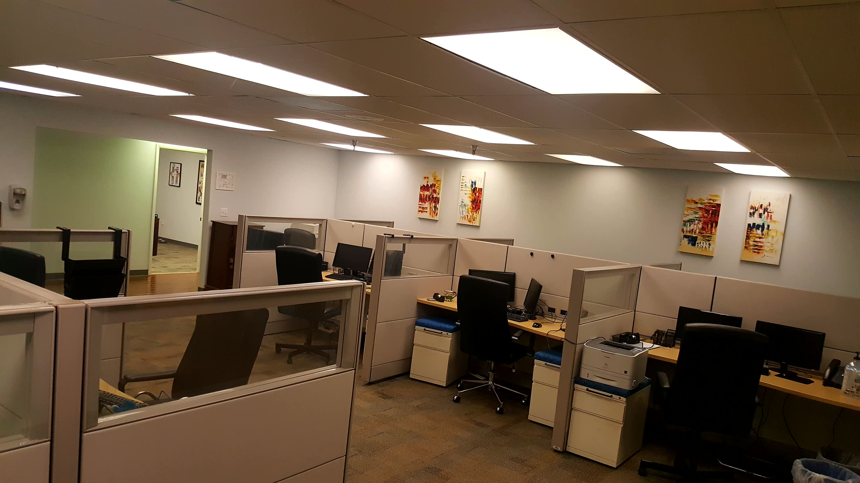 PRIVATE OFFICES/LARGE WORK AREA