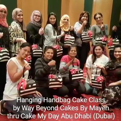 A parade of our Hanging Handbags from the class in Dubai from Cake My Day Abu Dhabi(* this class is coming to Doha , Qatar this weekend thru The Baking Studio ! See you there !)