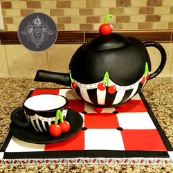 Pouring Teapot cake