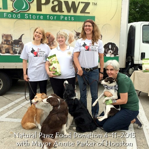 Natural Pawz Food Donation w Mayor Annise Parker of Houston.jpg