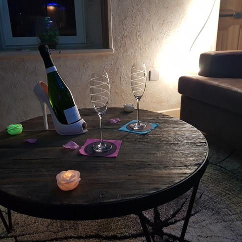 Table salon - Villa Boréale - L'Antre de la tentation