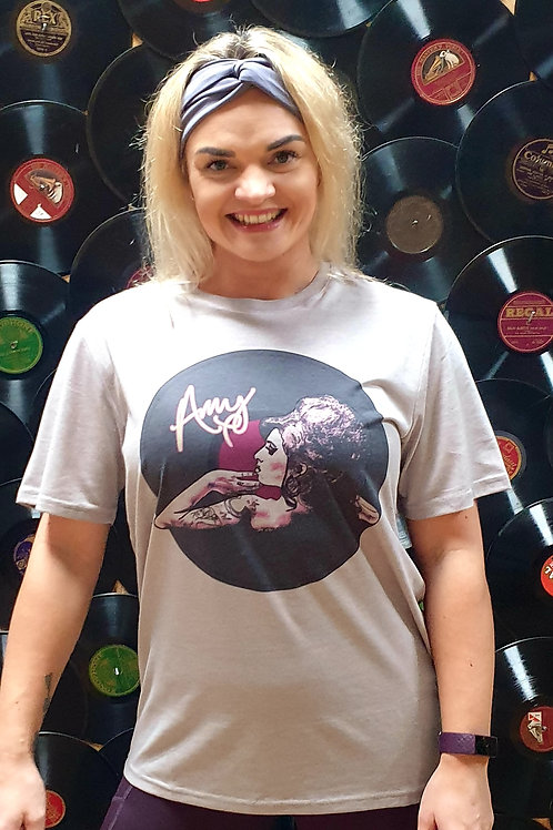 Amy Winehouse silver T-shirt