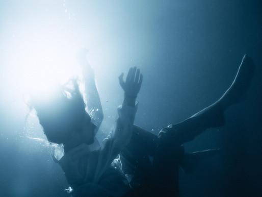 "Ekonovah Has Us ""Floating"" Through Waves of Tech House"