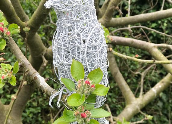 Wirework Sitting Dove