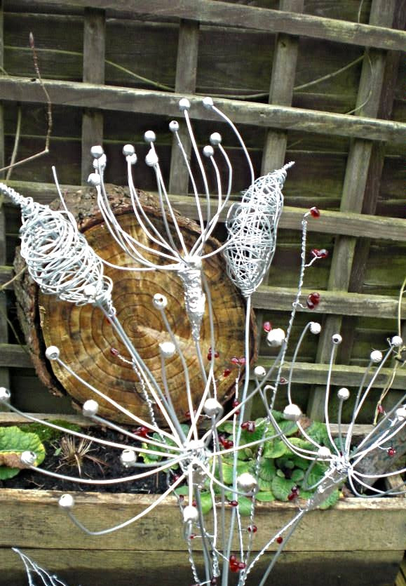 Wirework Flower Spray with Bullrush