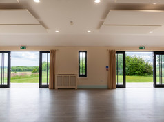 Double doors to the outside area