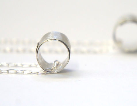 silver swirl necklace