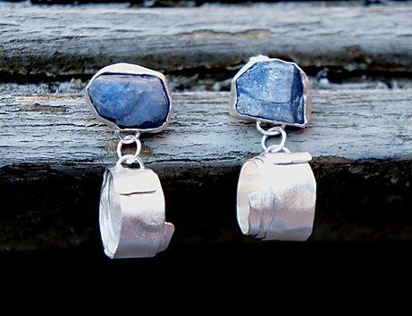 rough sapphire & silver swirl earrings