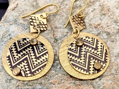 Textured Brass earrings - Gold and Black