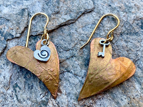 Embossed copper hearts earrings