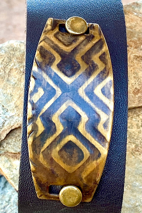 Handcrafted Brown Leather Snap Bracelet