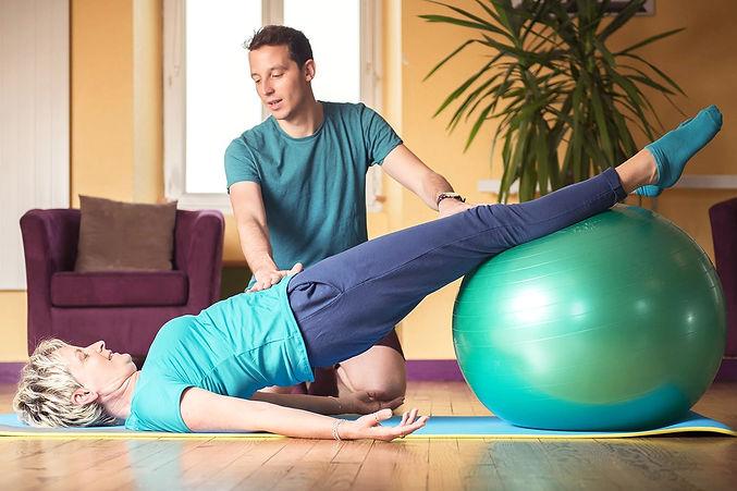 cours_sport_gym_pour_particulier_a_domicile_a_lyon_pilates_yoga_gym_fitness_www.kinitro.fr_