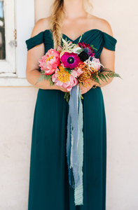 Photo by: http://www.100layercake.com/blog/2017/11/06/colorful-mexican-inspired-wedding-at-the-santa-barbara-historical-museum/