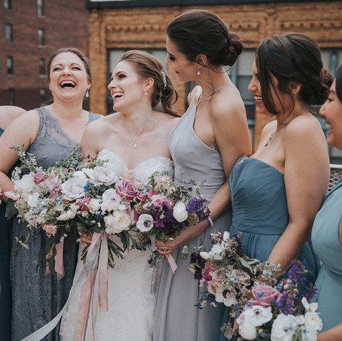 How to Rock the Mismatched Bridesmaid Look