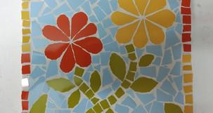 Atelier mosaïque aubertin création fleurs bleu orange jaune vert