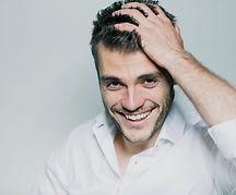 усмихнат мъж - lubkailievakk.com