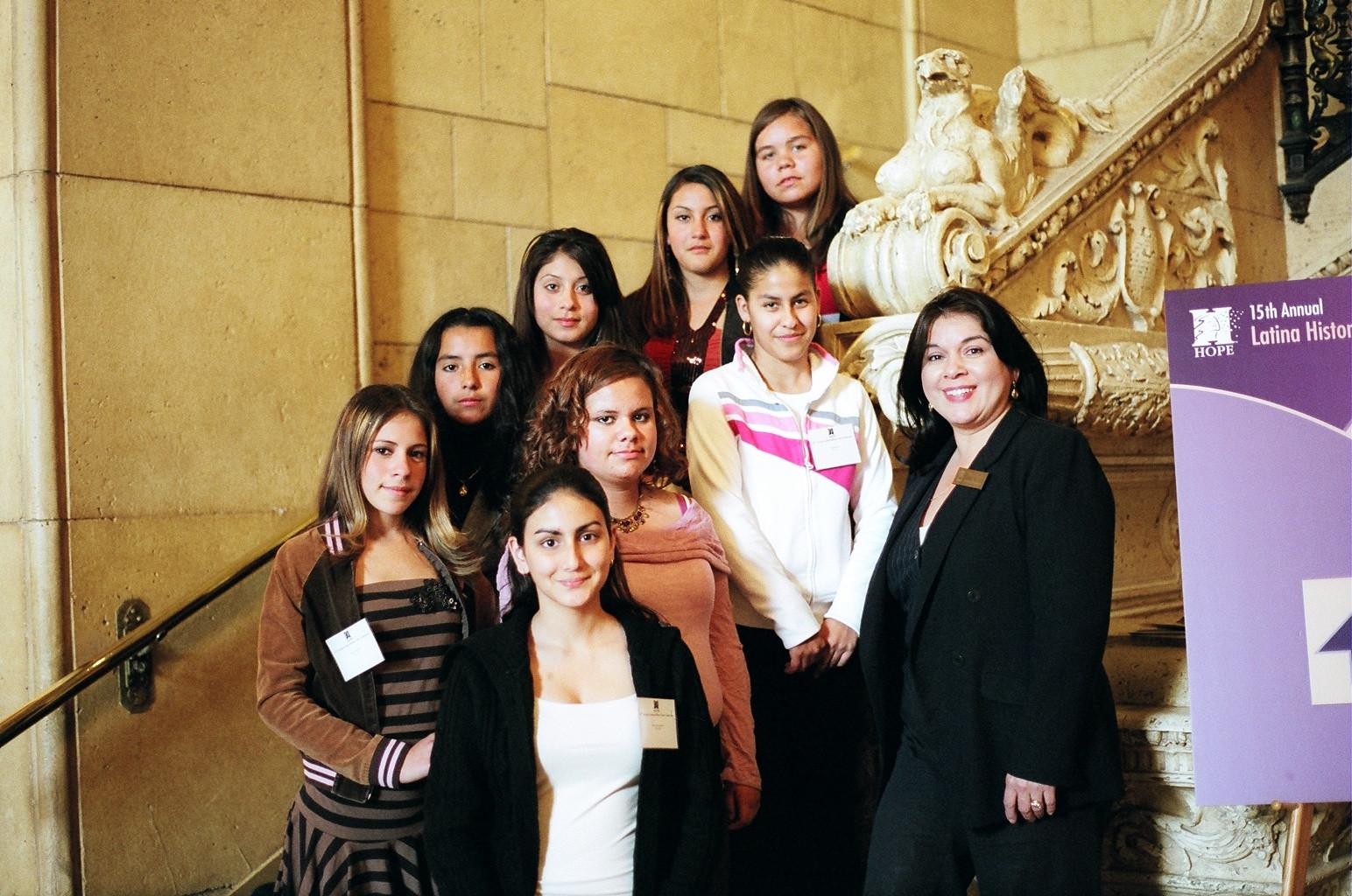 Latina Hist.StairGrpPhoto.06.JPG