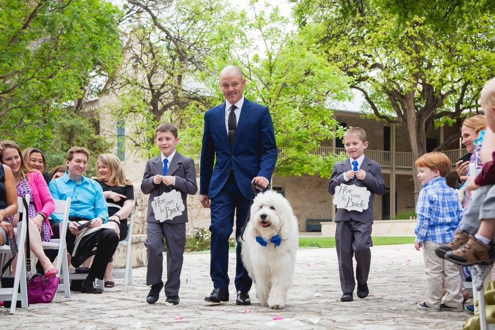 Metro Pup SA Wedding Pet Attendant