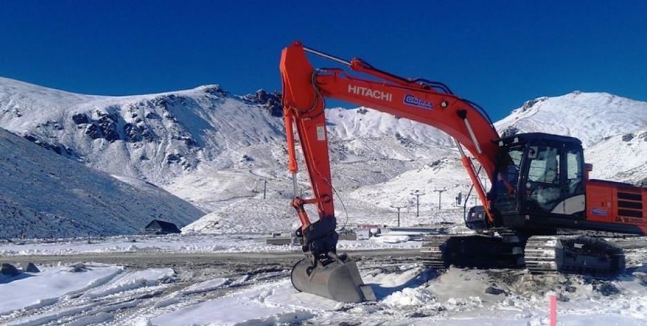 digger clearing snow.jpg