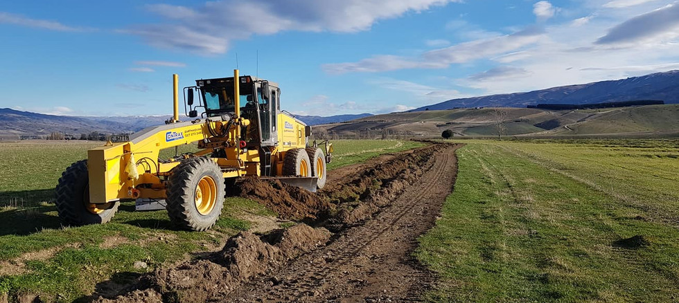 volvo grader levelling out border dykes