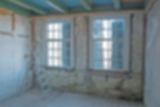 Details plafond en kleine ramen woonhuis Witte Boerderij Heienenoord