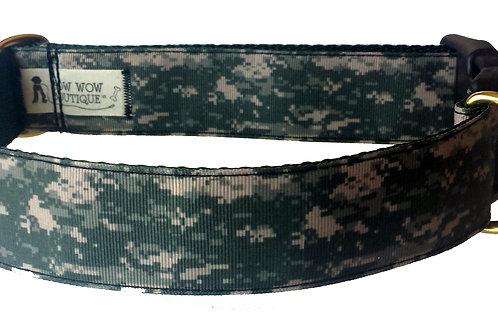 38mm Wide Pixelated Camo Dog Collar