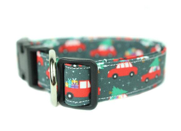 A Griswald Holiday Dog Collar!