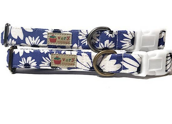 Very Vintage Organic Cotton Dog Collar - Blue/White Marguerite Design
