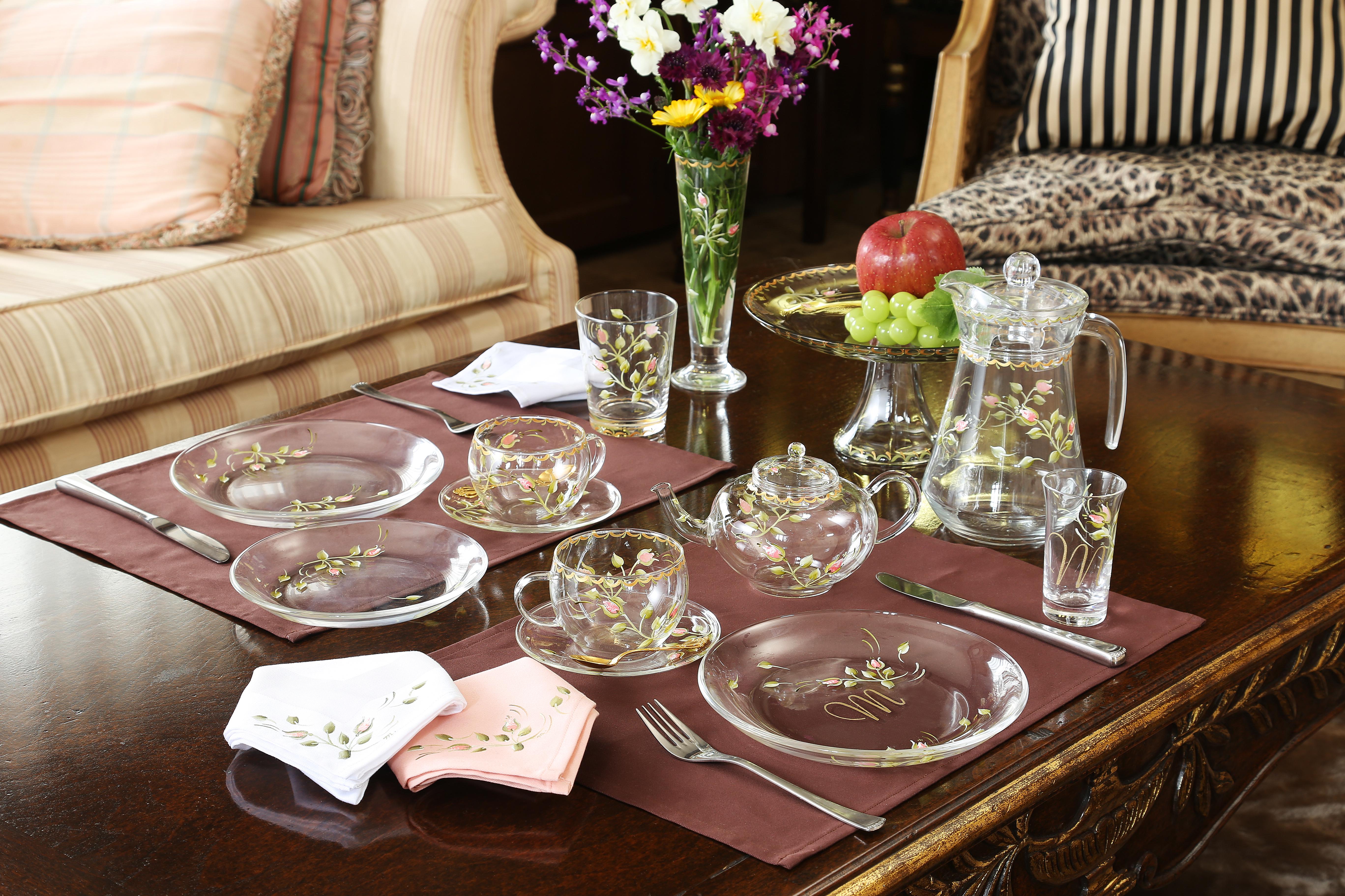 ハンドペイント,バラのつぼみ柄のデーブルウェア