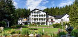 waldhotel-sonnora-von-vorne