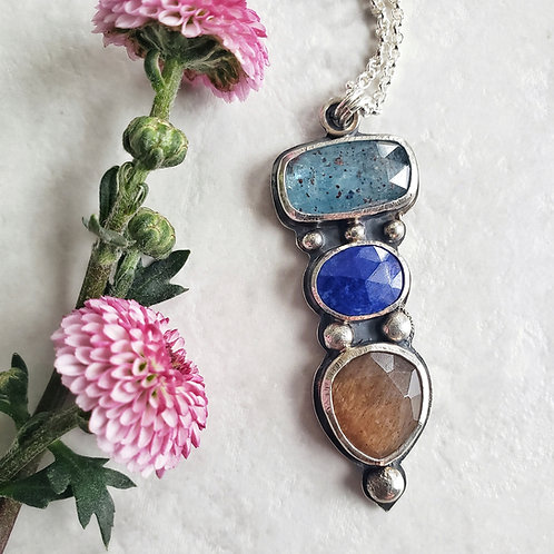 gem totem: moss kyanite, lapis lazuli, golden moonstone