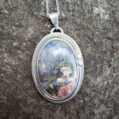 victorian-style agate