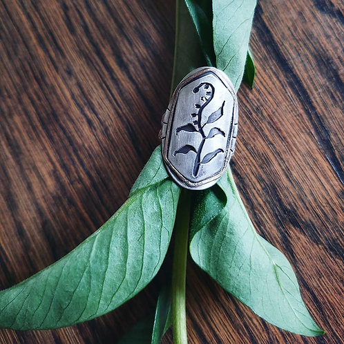 lily of the valley shield ring
