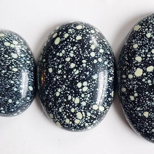 stone select reservation: Kiera