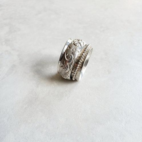 sterling spinner ring: tuscan